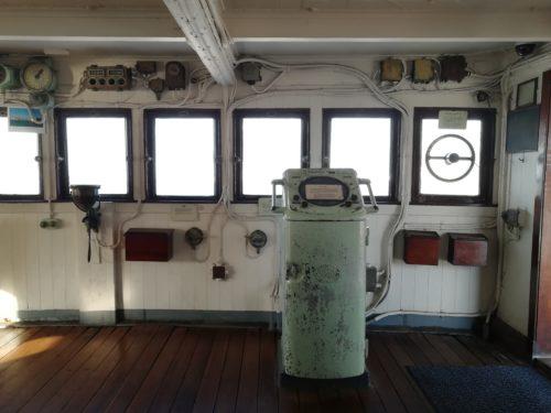船内操縦室の風景