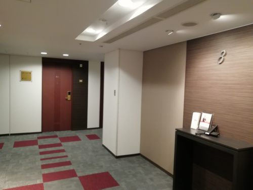 リッチモンド8階エレベーターホール