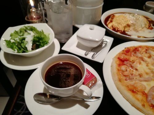 ピザとチキンバスッケト