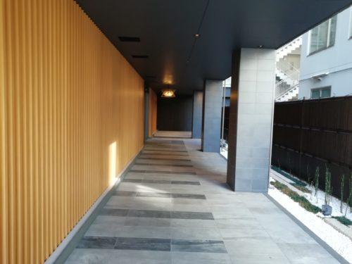 フレッサイン京都八条口のエントランス