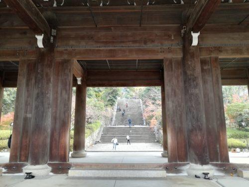 三門から見る男坂2