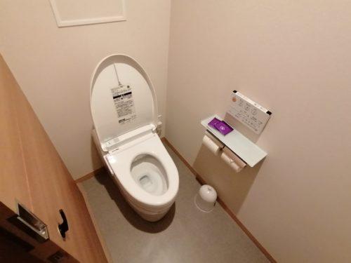 連の部屋のトイレ