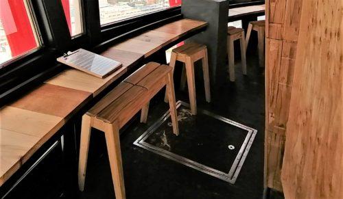 サケタルラウンジの椅子