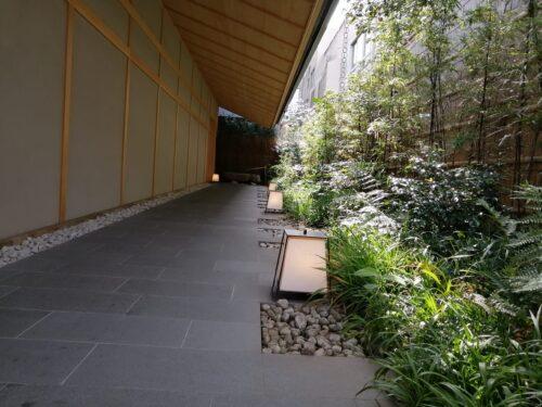 由縁の渡り廊下
