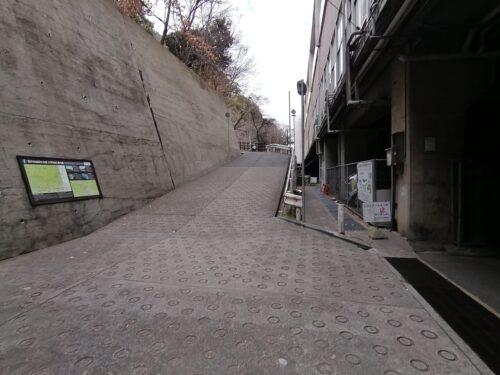 新神戸駅の裏道3