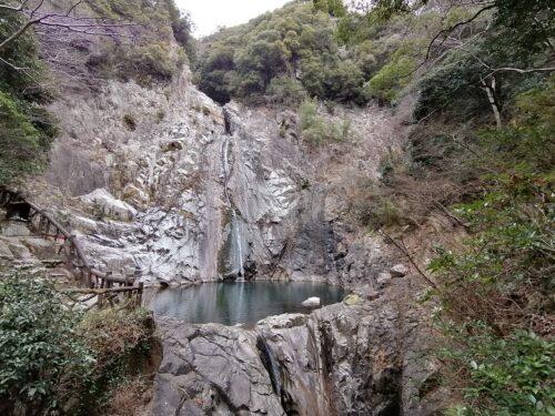 布引の雄滝1