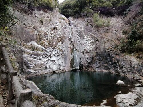布引の雄滝3