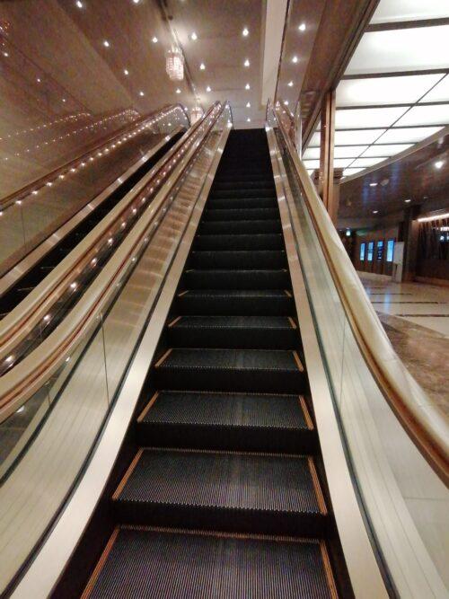 阪急ホテルのエスカレーター