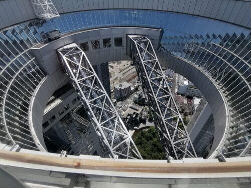 梅田スカイビルのエスカレーター
