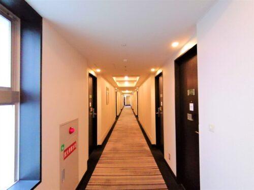 モントレ客室廊下2