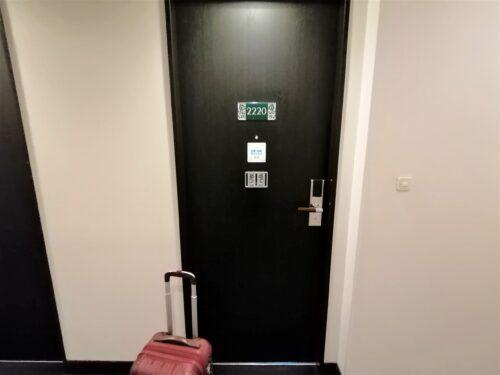 モントレ客室ドア1