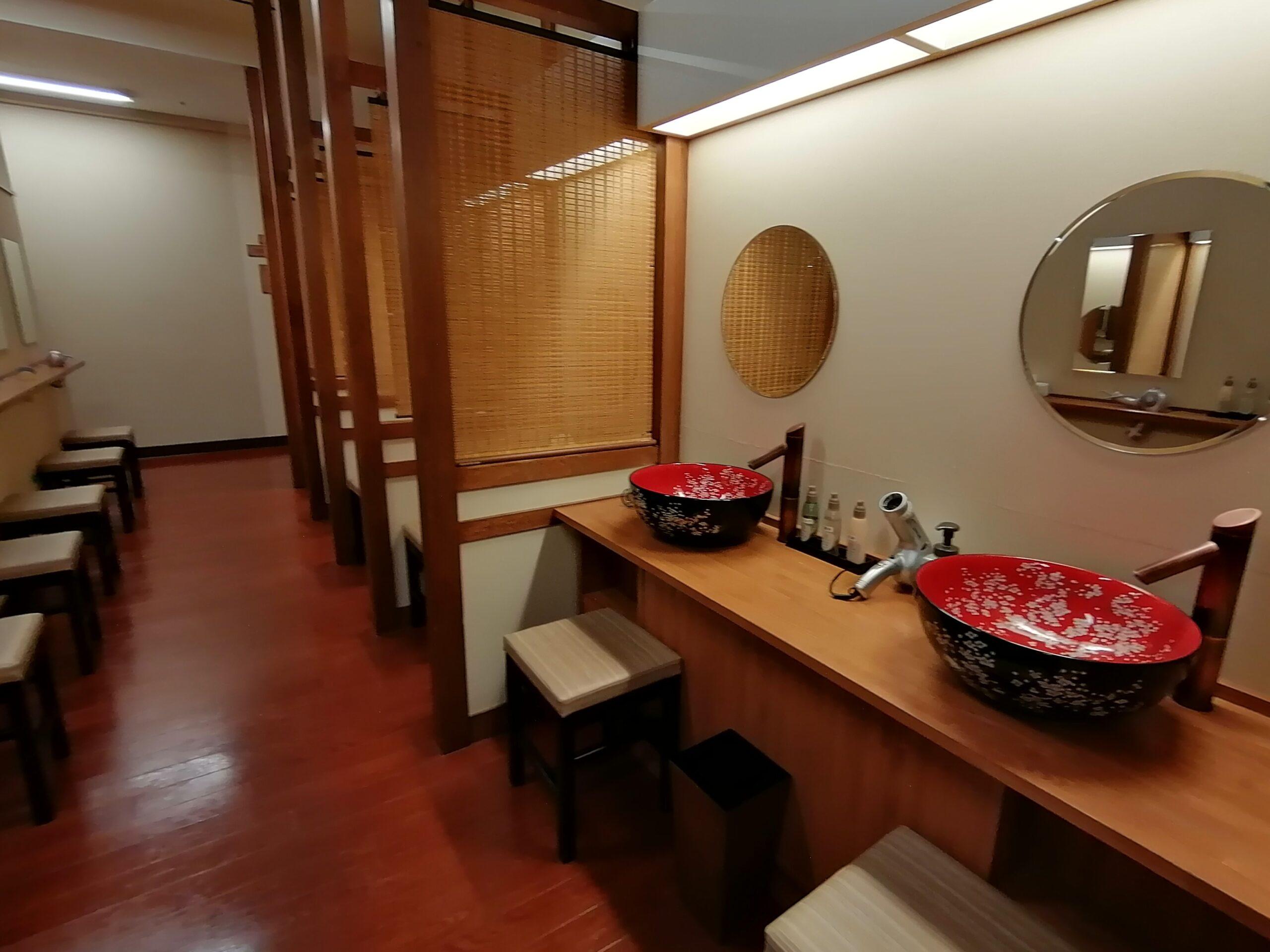 太閤の湯更衣室3