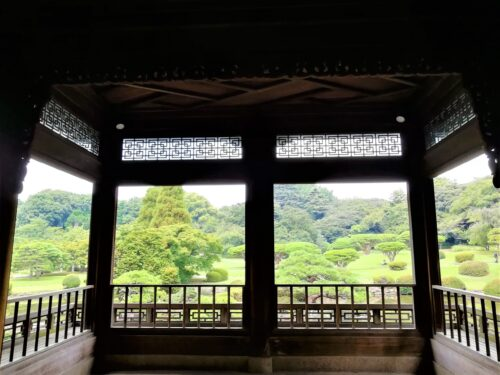 新宿御苑の日本庭園3
