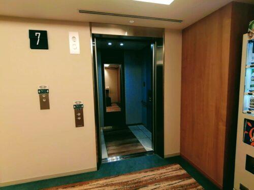アクアスクエアのエレベーター3