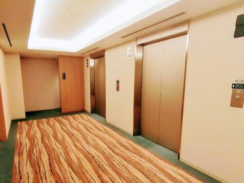 アクアスクエアのエレベーター1